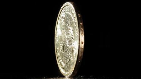 série - O outro lado da moeda
