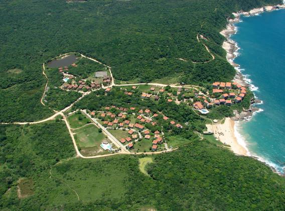 Praia das Caravelas.jpg