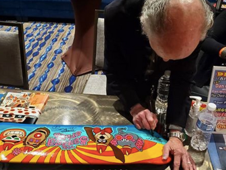 Banana Splits Skateboard Gets Signed by Original Cast Members