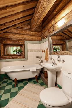 Три сестры средняя 2-й этаж Ванная комна