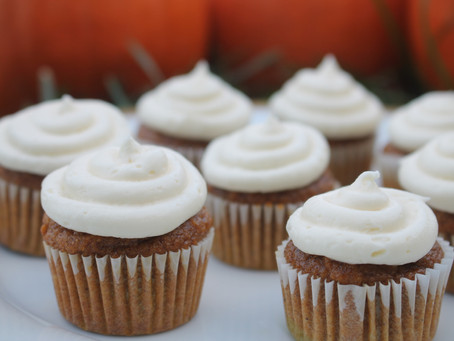 Pumpkin Mini Cupcakes with Cream Cheese Frosting