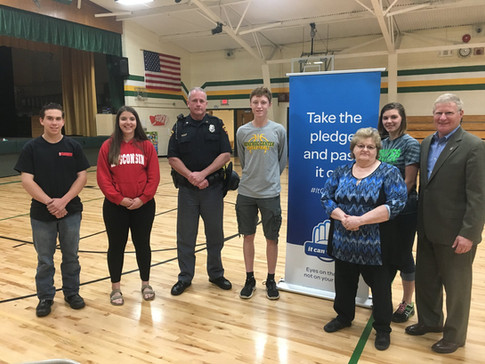AT&T hosted a Distracted Driving assembly at Wonewoc-Union Center High School.