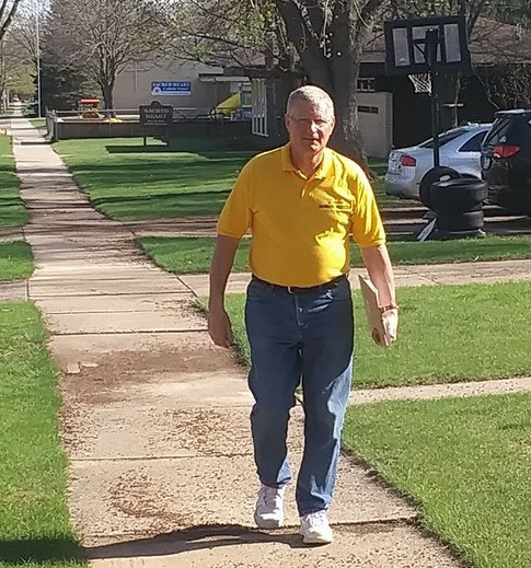Howard seeking signatures on his nomination papers in Reedsburg.