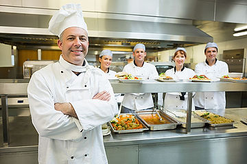 chef-with-team-kitchen-600.jpg