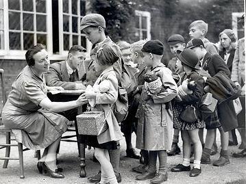 child-evacuees-wwii.jpg