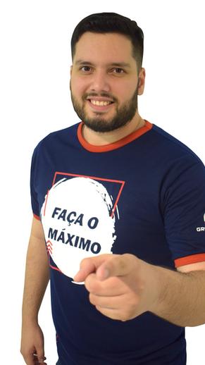Thiago Fontoura professor de física do  da isolada do grupo máximo educacional