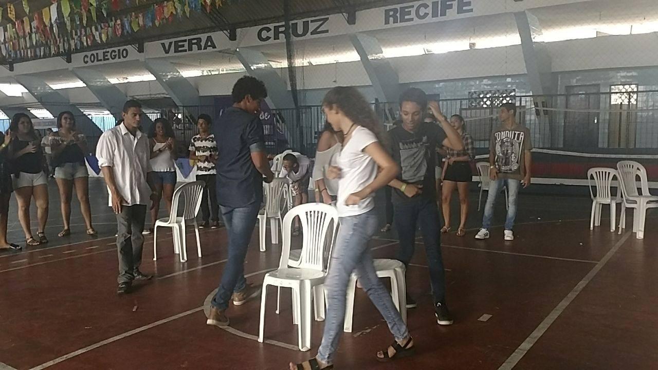 DANÇA DA CADEIRA, BRINDES,SÃO MÁXIMO