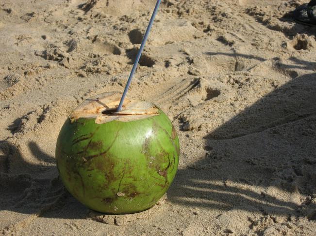 Kokosų vanduo. Kas čia per stebuklas? :)