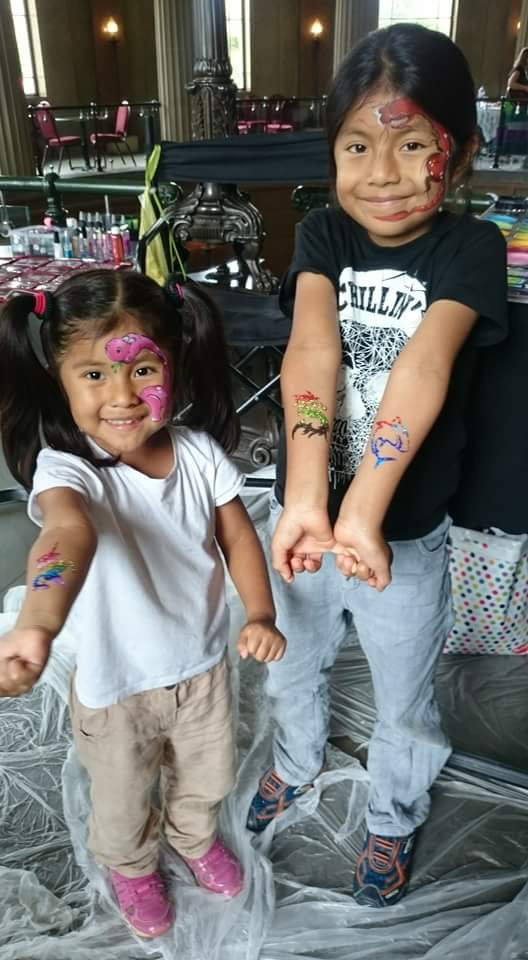 Face painting & tattoos