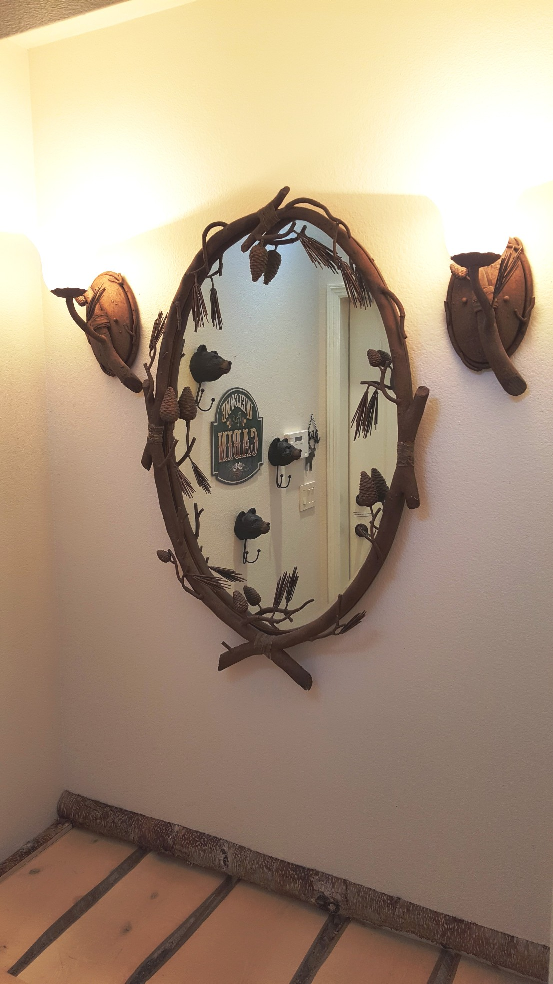 mirror in entry