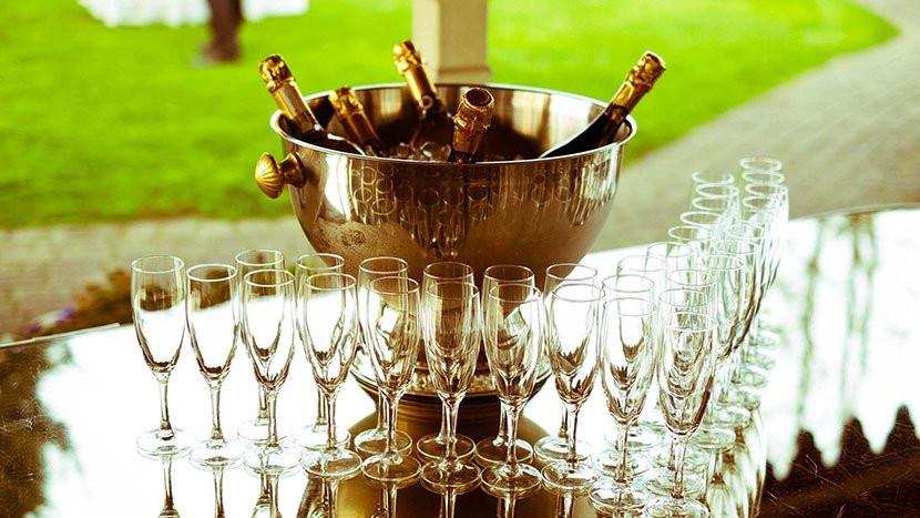 La fotografia di matrimonio durante aperitivo e ricevimento