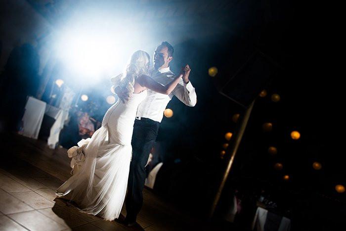 Matrimonio serale: come influisce sulla fotografia