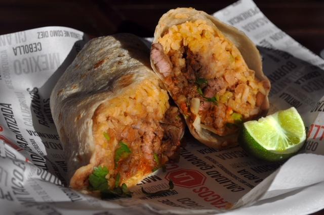 la_calle_food_burrito