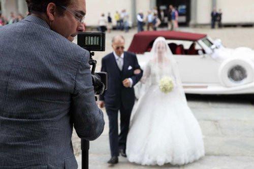 12 modi per riconoscere un fotografo di matrimoni professionista da un fotografo amatoriale