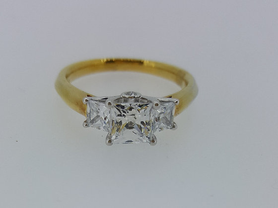 18ct Gold Diamond Engagement Ring
