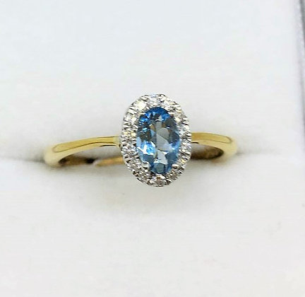 9ct Yellow Gold Diamond Aqua Ring