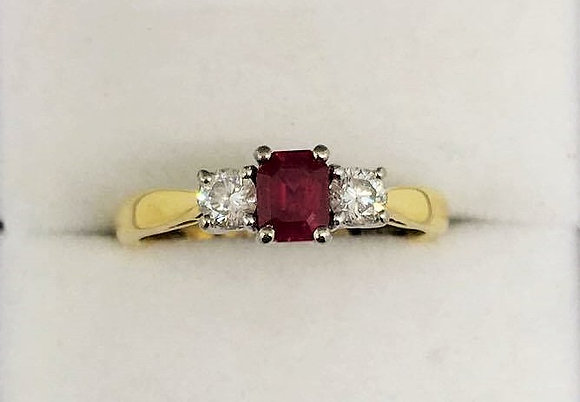 18ct Yellow Gold Diamond Ruby Ring