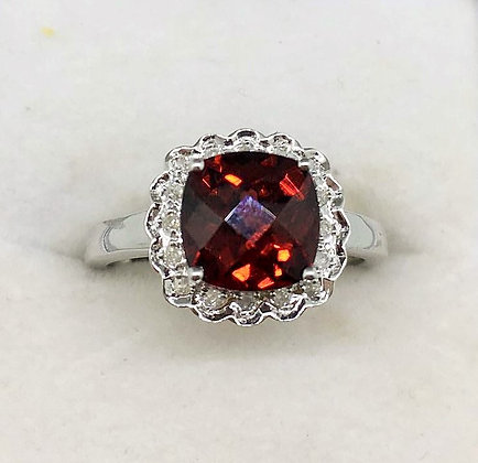 9ct White Gold Garnet & Diamond Ring