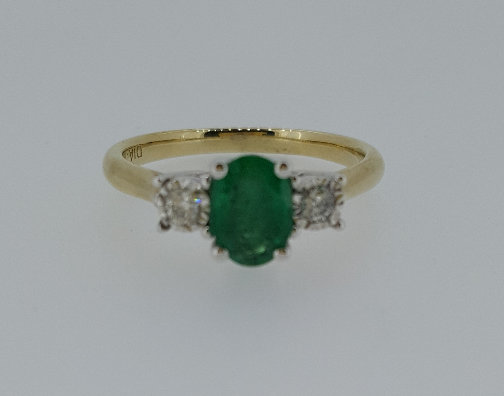 9ct Gold Emerald Diamond Ring