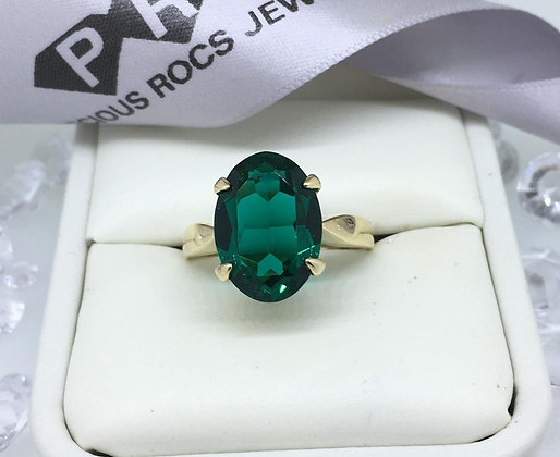 9ct Yellow Gold Large Oval Emerald Gemstone Ring