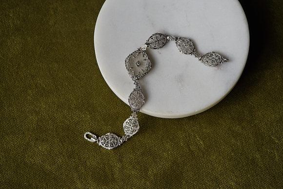 Camphor Glass Bracelet