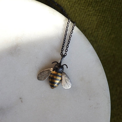 Acanthus Bee Necklace