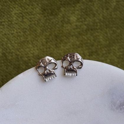 Goldengrove Memento Mori Pearl Earrings