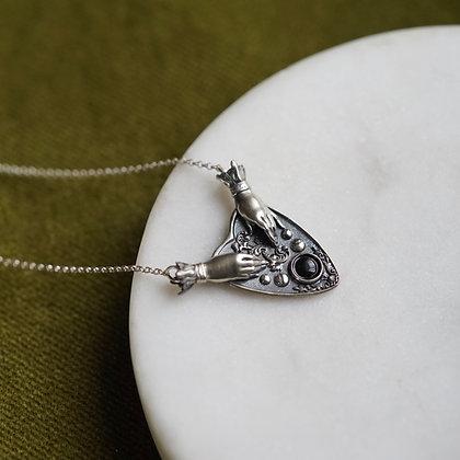 Omnia Séance Amulet
