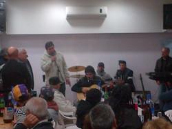 Jorge Miranda recitando con Cabred.jpg