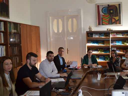 An Efficient Meeting in Budapest