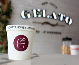 Brand symbol of the gelato cup