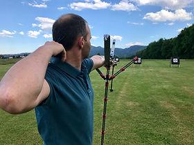 Hombre que hace tiro con arco