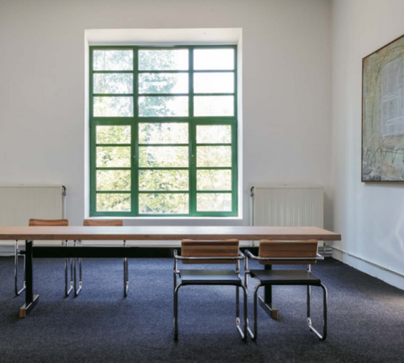 Be.Classics | CG66 Table | CG73 Chair