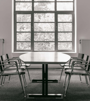 Be.Classics | CG73 Table | TBA Chair