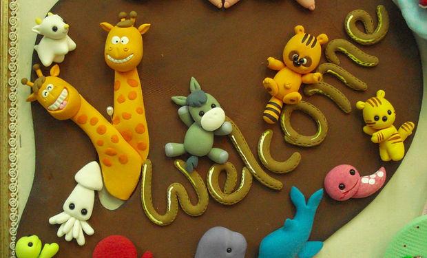 welcome sign cute animals giraffee squirel turtle 歡迎牌 長頸鹿 松鼠 魷魚 龜 可愛動物 黏土作品