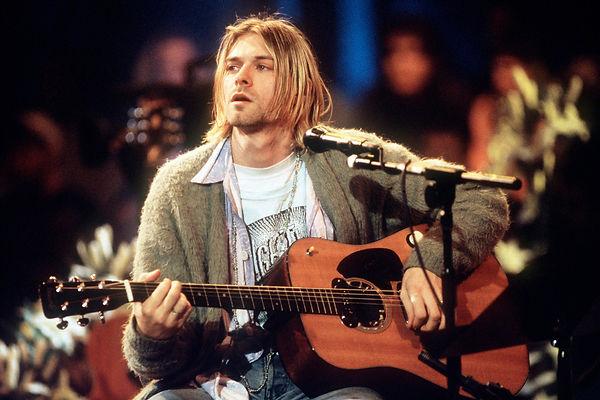 kurt-cobain-unplugged-sweater-sale-again