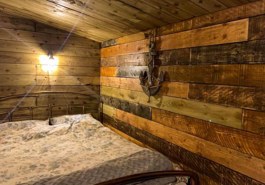 Fisherman's Cabin Double Bed