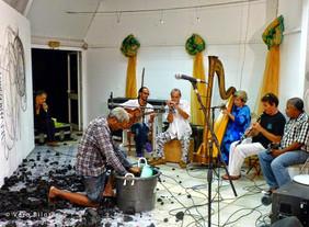 Performance Regards démultipliés avec Jobi Bernabé, percursionnistes et harpe, Alliance française de Sainte Lucie, 22 octobre 2013   photo Vero Bilo