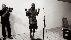 Performance Regards démultipliés avec Jobi Bernabé (chant, poésie) et percursionnistes. Alliance Française de Sainte-Lucie 22 octobre 2013 | photo Vero Bilot