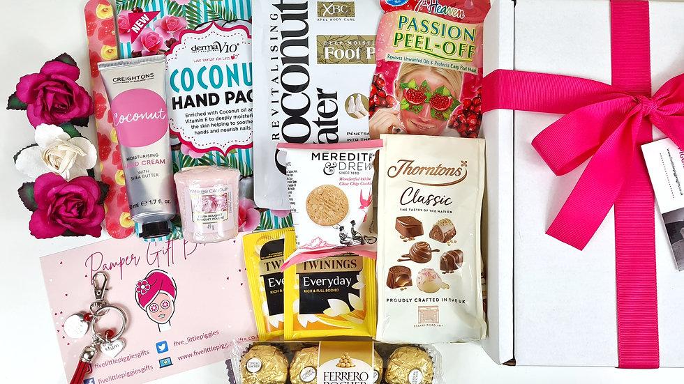 Mum pamper gift box with personalised keyring - Large