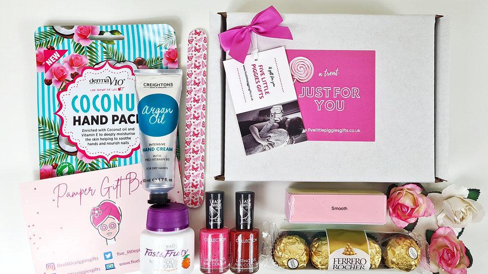 Handcare pamper gift box