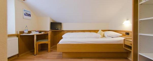 Zimmer_Nr_7_-_Bettenjpg.jpg