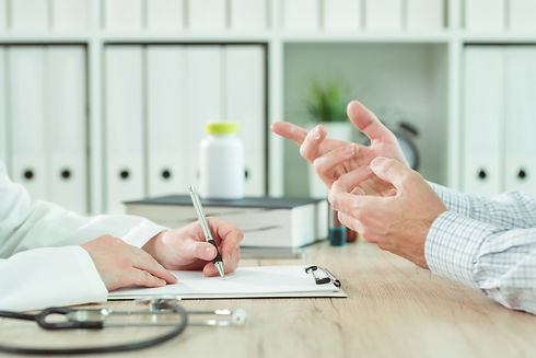 doctor-and-patient-during-consultation-i
