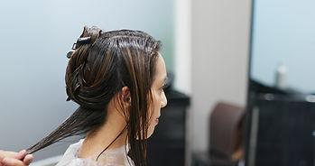 woman-having-hair-treatment-in-hair-salo