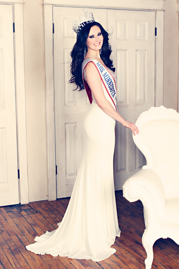 Crowning Images Pageant 22.jpg