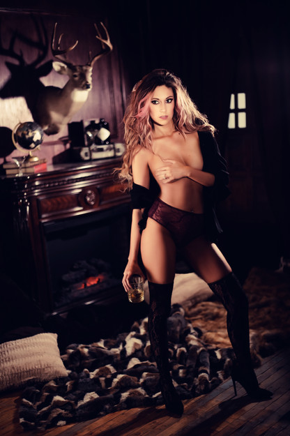 Sugar & Spice Photography Boudoir Whiske