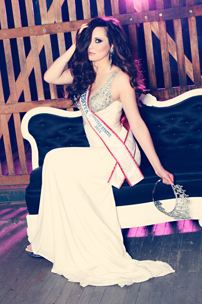 Crowning Images Pageant 23.jpg