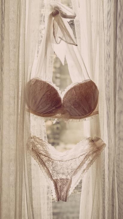 Boudoir Photography MN Wardrobe Creamy Dreamy  3.png