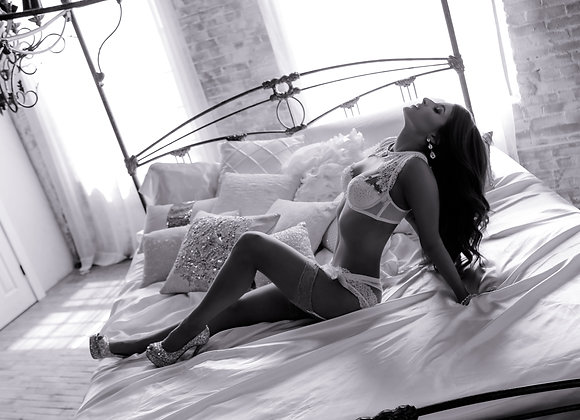 FLIRT $350 - 1 boudoir look