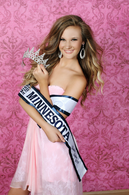 Crowning Images Pageant 13.jpg